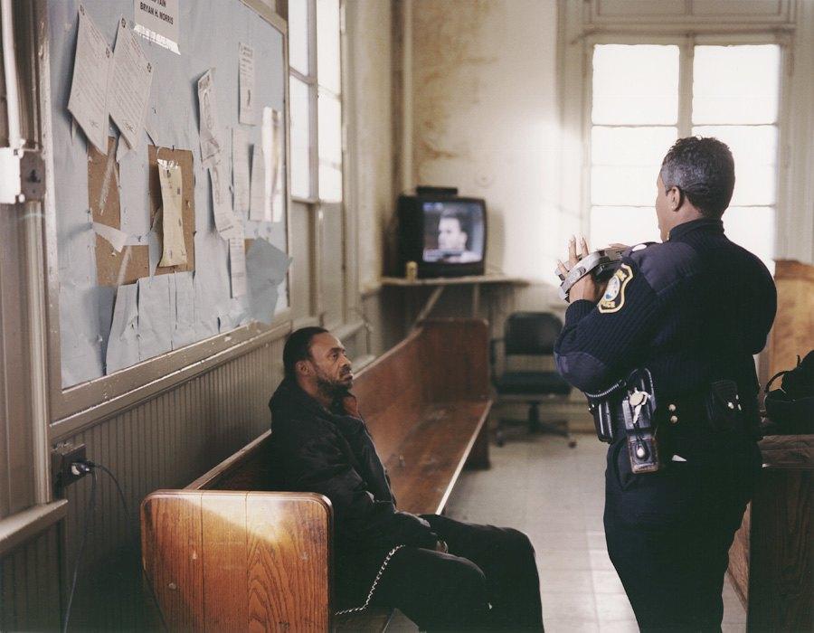 Несколько дней из жизни обычных американских полицейских. Изображение № 13.