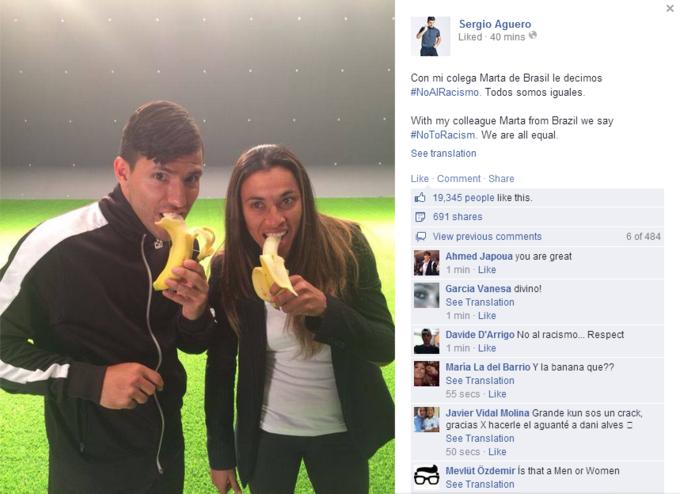 Футболисты и знаменитости поддержали «банановый» флешмоб, направленный против расизма. Изображение № 5.