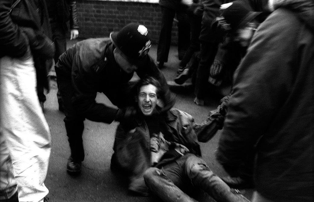 C рейва на митинг: Фотохроника британских free parties и попыток отстоять их перед властями. Изображение № 5.