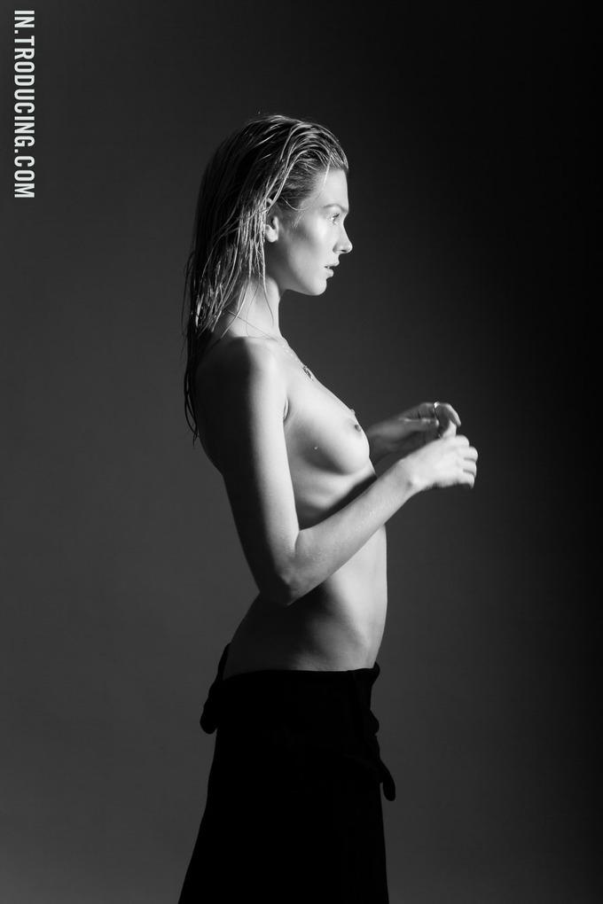 Норвежская модель София Лай снялась у фотографа Алекса Фрейда. Изображение № 7.