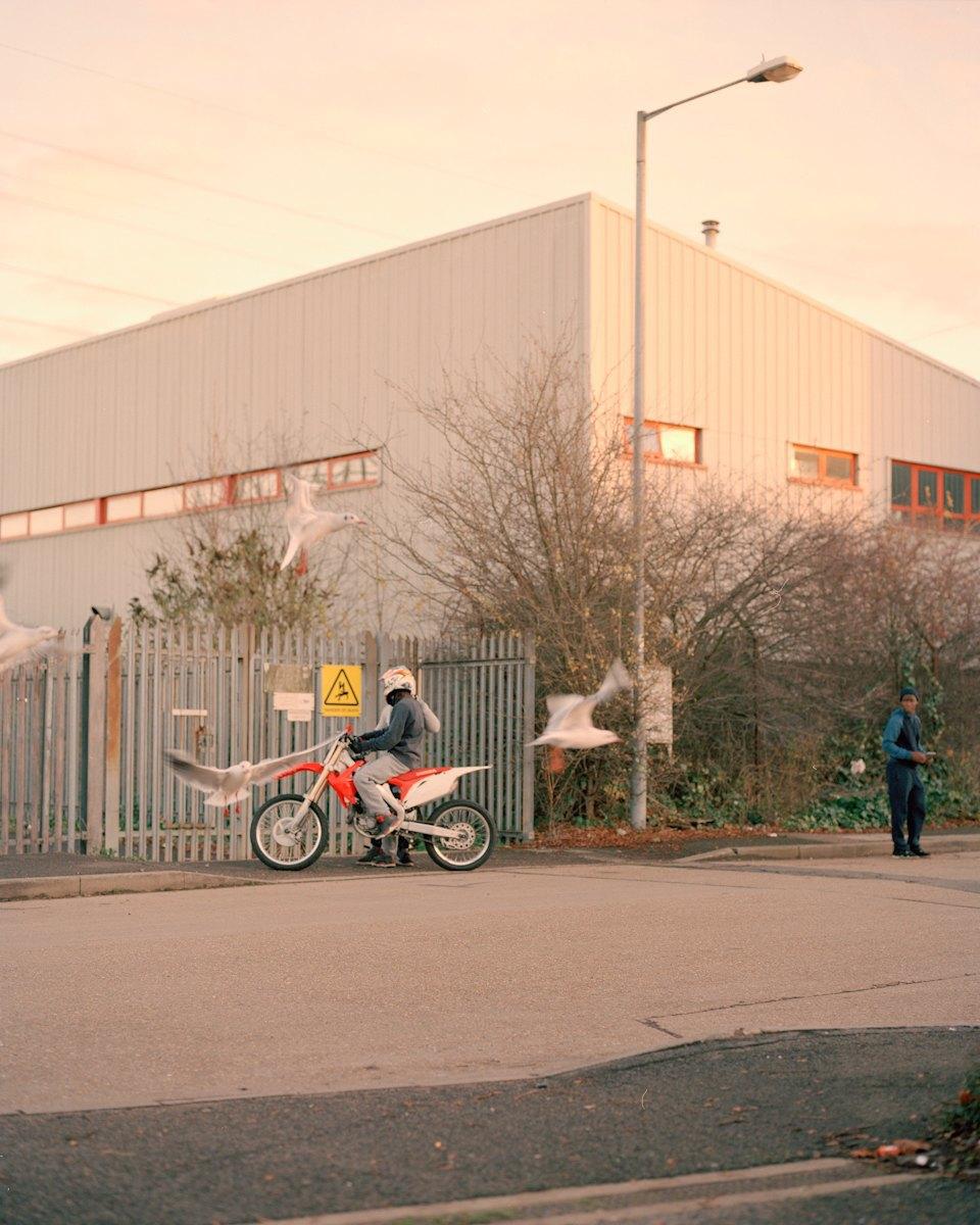 Фотопроект: Лондонские гопники и их мотоциклы. Изображение № 24.