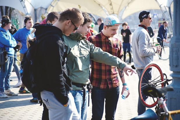 Детали: Фоторепортаж с открытия велосезона Fixed Gear Moscow. Изображение №12.