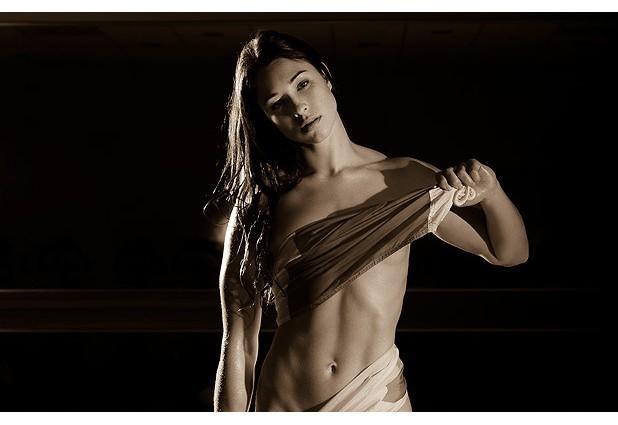 10 эротических календарей на 2013 год. Изображение № 98.