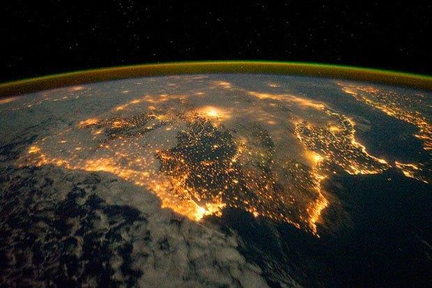 NASA опубликовало фотосессию, вдохновленную фильмом «Гравитация». Изображение № 8.