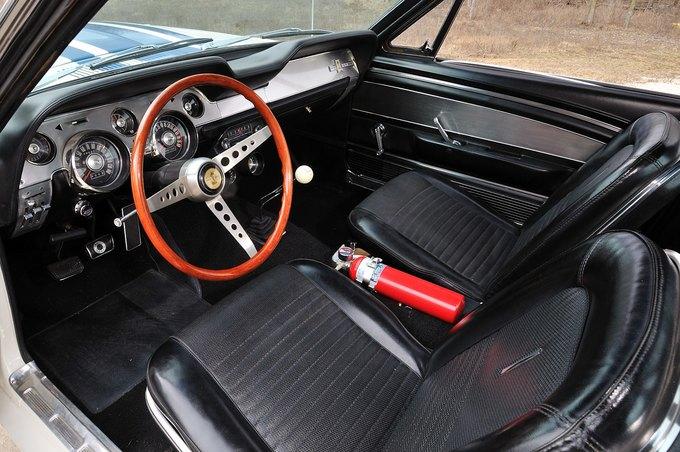 В США на аукционе продали самый дорогой Ford Mustang. Изображение № 19.