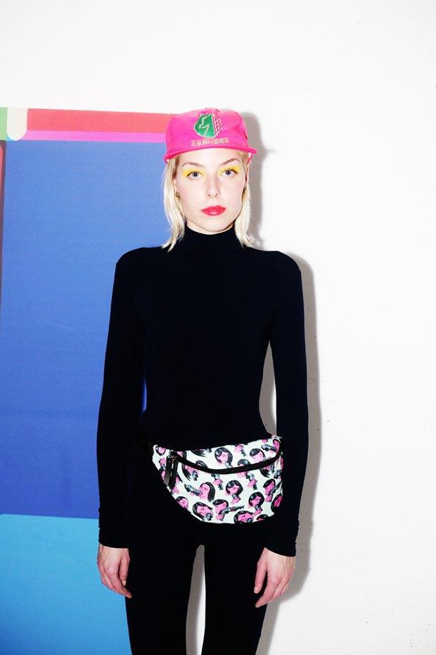 Дизайнер Никита Грузовик и художник Flakonkishochki выпустили новую коллекцию сумок. Изображение № 17.