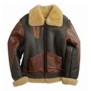 На высоте: История и особенности легендарной пилотской куртки на меху — B-3. Изображение № 19.