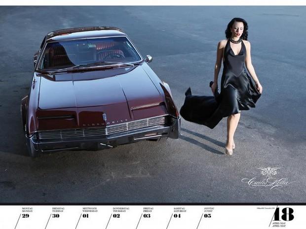 10 эротических календарей на 2013 год. Изображение № 81.