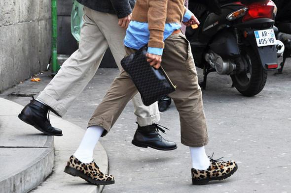 Изображение 24. Шарфы, клатчи, клетчатые пиджаки и подвернутые джинсы.. Изображение № 56.