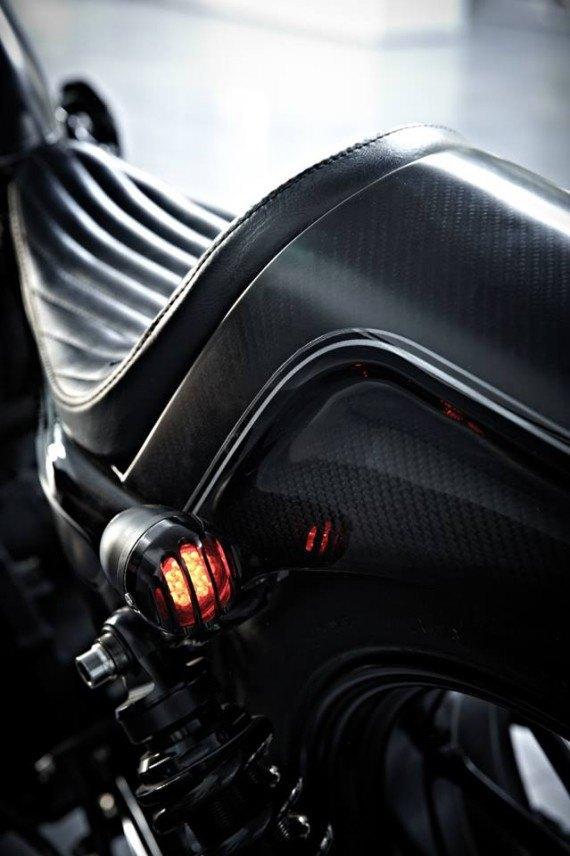 Мастерская  Rough Crafts представила кастомный мотоцикл на базе Harley-Davidson. Изображение № 10.