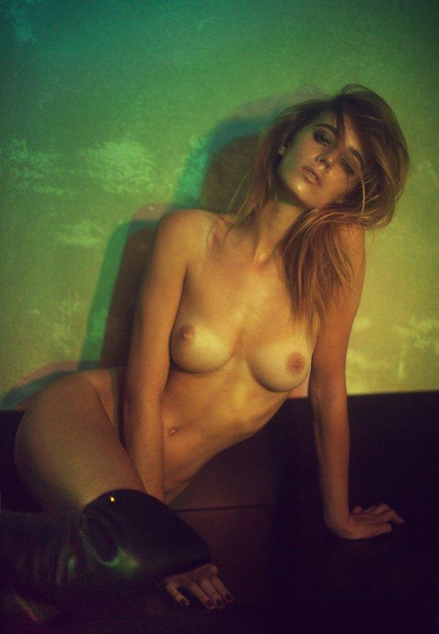 Бельгийская модель Элиза Сис снялась для издания S Magazine. Изображение № 2.
