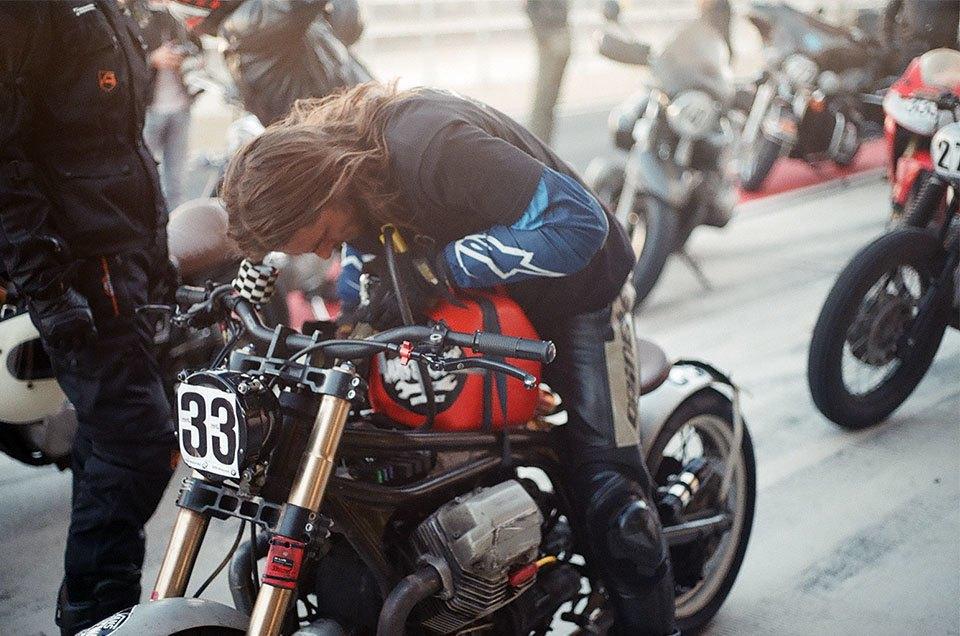 Фоторепортаж с гонки кастомных мотоциклов Nuts & Bolts. Изображение № 25.