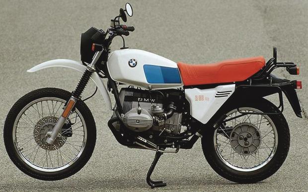 История и стилевые особенности эндуро и скрэмблеров — мотоциклов для езды по бездорожью. Изображение № 9.