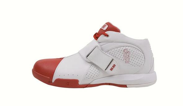 Поставить на ноги: 25 именных баскетбольных кроссовок. Изображение № 25.