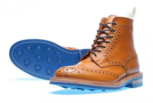 Марка Tricker's и магазин End Hunting Co представили совместную коллекцию обуви. Изображение № 3.