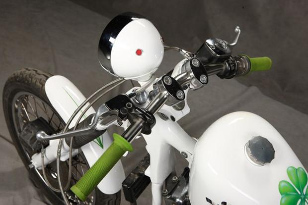 Мотоцикл Village Dream мастерской New Old Shit, участвовавший в выставке «Мотопарк». Изображение № 13.