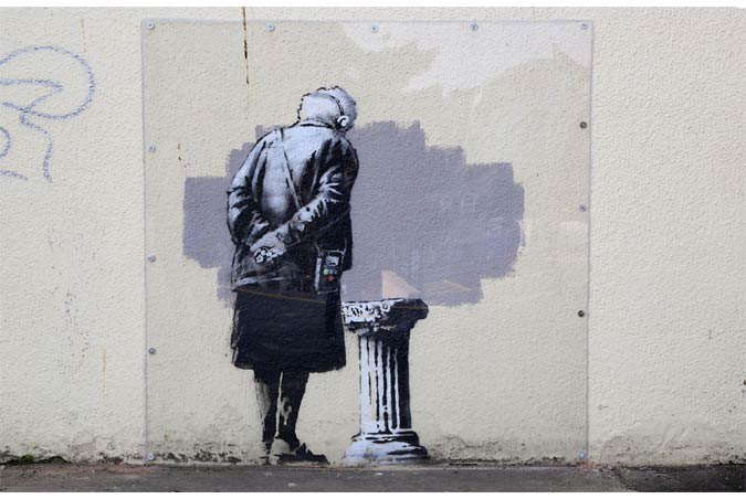 Граффити Бэнкси «Арт-буф» в Фолкстоне демонтировали. Изображение № 1.