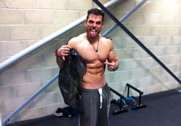 Британский спортсмен смог похудеть за сутки на 11 килограммов. Изображение № 1.
