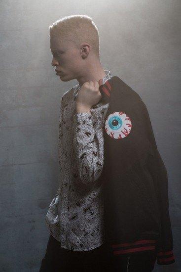 Марка Mishka опубликовала лукбук весенней коллекции одежды. Изображение № 1.