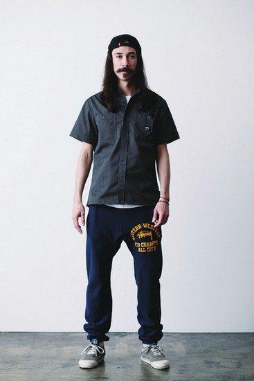 Марка Stussy опубликовала лукбук весенней коллекции одежды. Изображение № 16.