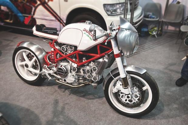 Лучшие кастомные мотоциклы выставки «Мотопарк 2012». Изображение №8.