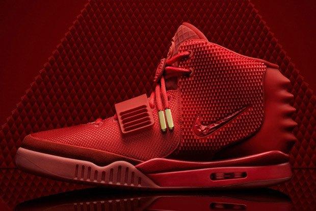 Тираж новой модели сникеров Nike Air Yeezy 2 Red October раскупили за 11 минут. Изображение № 3.