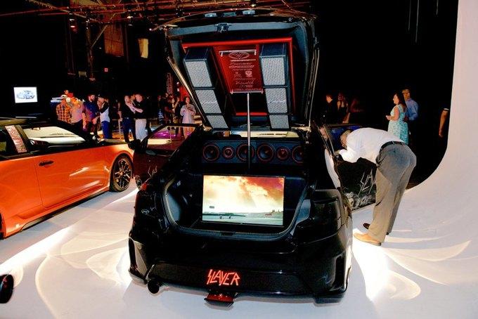 Дизайнер превратил авто марки Scion в Slayer-мобиль. Изображение № 1.