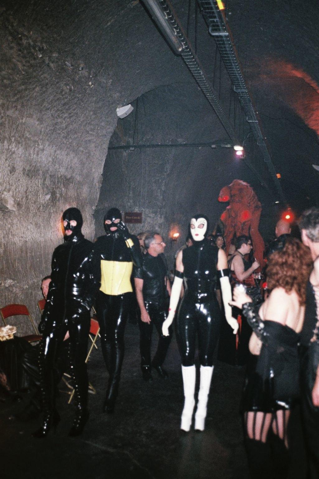 Ночь извергов: Посетители фетиш-фестиваля во Франции. Изображение № 12.