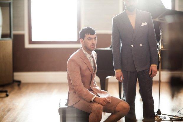 Марка Ben Sherman и журнал The Rig Out выпустили лукбук весенней коллекции одежды. Изображение № 3.