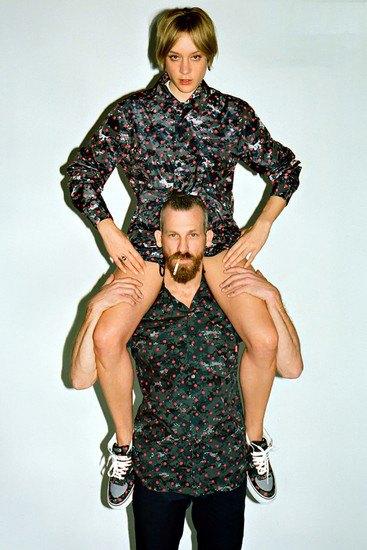 Марки Supreme и Comme des Garcons Shirt выпустили совместную коллекцию одежды. Изображение № 3.