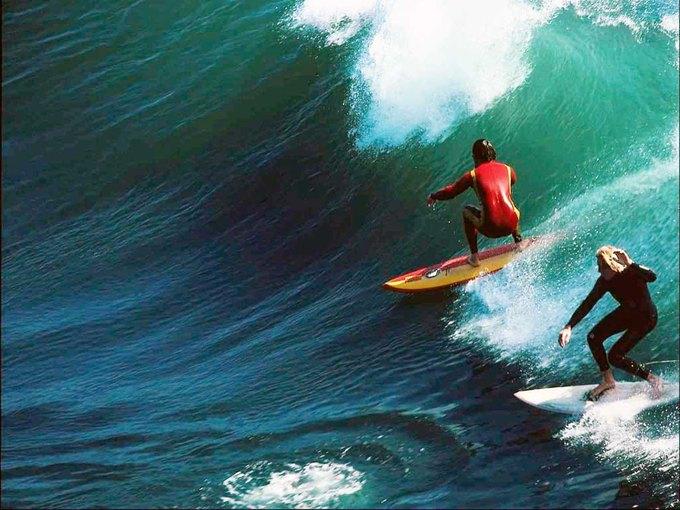 Австралийцы решили побить мировой рекорд по количеству сёрферов на одной волне. Изображение № 1.