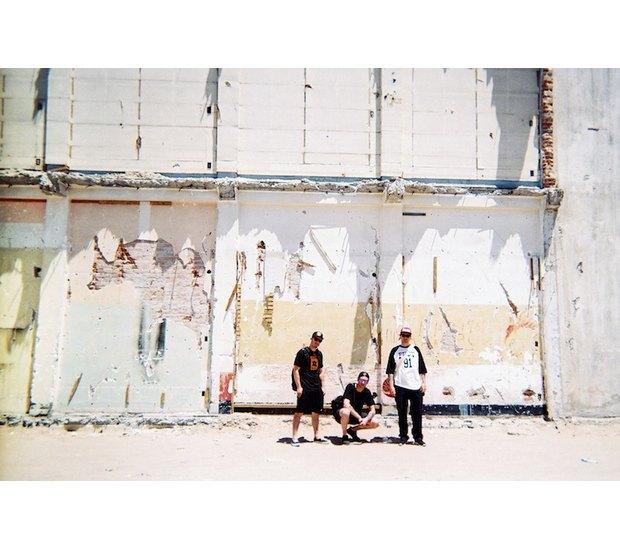 Марка FUCT опубликовала лукбук летней коллекции одежды. Изображение № 15.