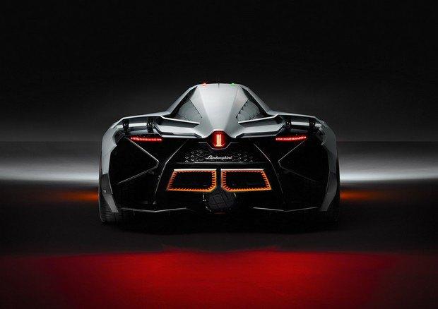 Lamborghini представили концепт одноместного суперкара Egoista. Изображение № 7.