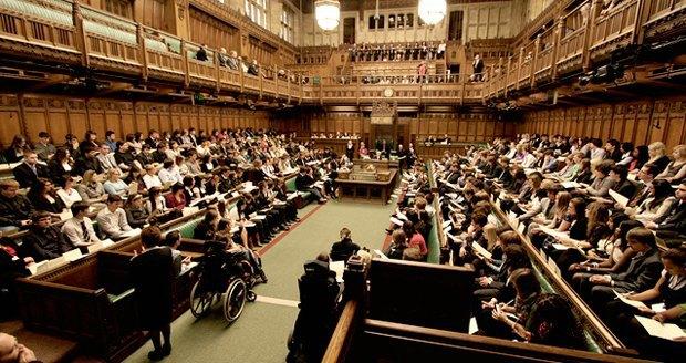 Члены британского парламента 300 тысяч раз за год посетили порносайты . Изображение № 1.