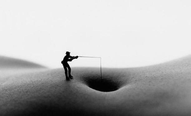 Фотограф Аллан Тегер выпустил серию работ, использовав в качестве пейзажа обнаженные тела. Изображение № 14.