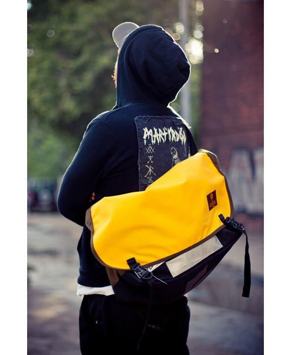 Одна из сумок производства марки Gosha Orekhov. Изображение № 27.