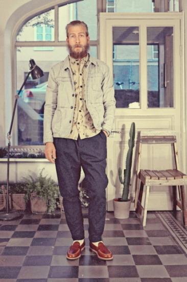 Марка Uniforms for the Dedicated опубликовала лукбук весенней коллекции одежды. Изображение № 8.