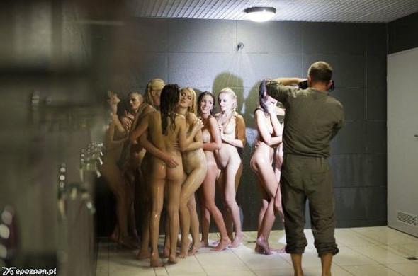 Девушки из Playboy протестировали футбольный стадион для Евро-2012. Изображение № 14.