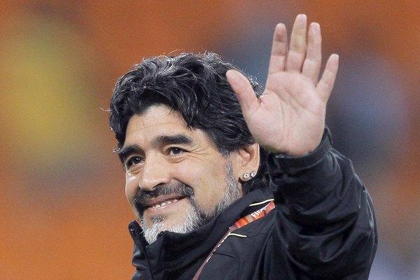 Диего Марадона решил возобновить карьеру игрока. Изображение № 1.