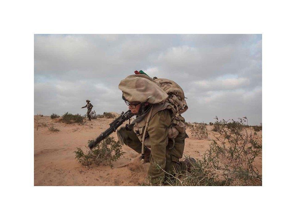Фотопроект: Как служат женщины в армии Израиля. Изображение № 25.