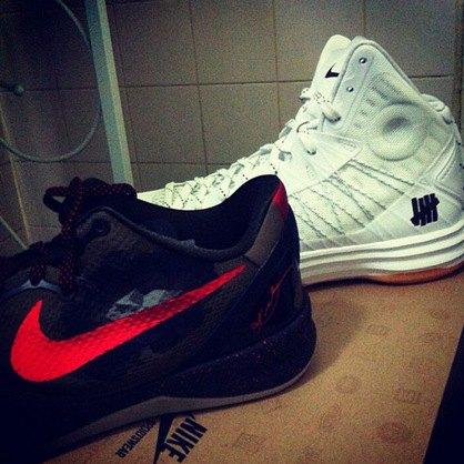 Марки Nike и Undefeated представили совместные модели кроссовок. Изображение № 5.