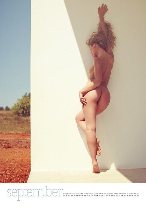 Фотограф Саймон Больц опубликовал эротический календарь на 2014 год. Изображение № 10.