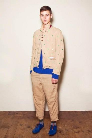 Марка Undercover опубликовала лукбук весенней коллекции одежды. Изображение № 3.