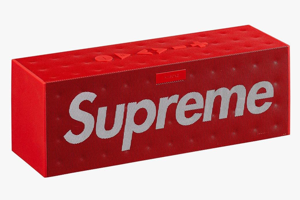 Марка Supreme показала новую коллекцию аксессуаров. Изображение № 12.