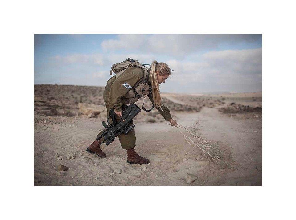 Фотопроект: Как служат женщины в армии Израиля. Изображение № 4.