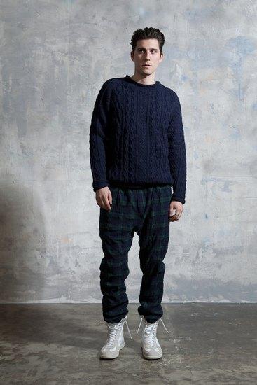 Японская марка Nonnative выпустила лукбук осенней коллекции одежды. Изображение № 18.