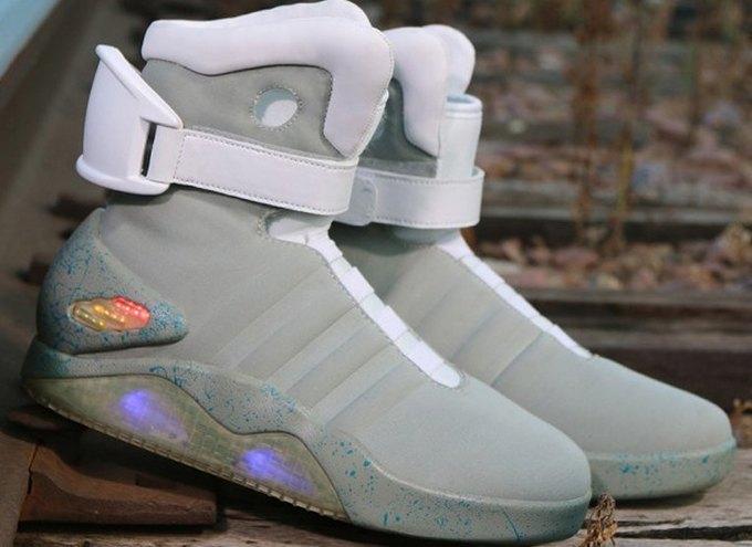Кроссовки Марти МакФлая из «Назад в будущее 2» появились в продаже. Изображение № 3.
