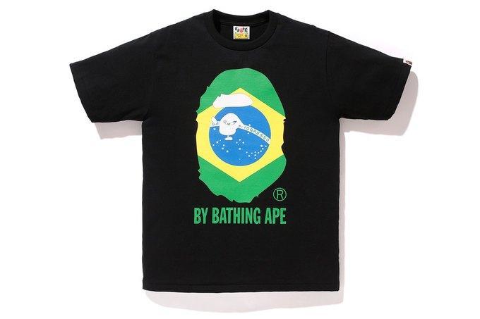 Марка A Bathing Ape представила коллекцию, посвящённую чемпионату мира по футболу в Бразилии. Изображение № 3.