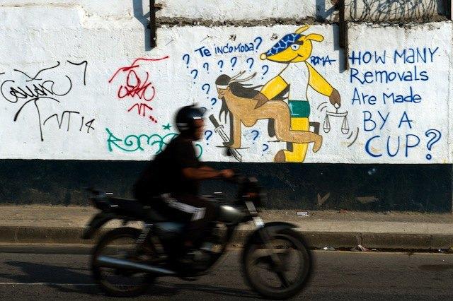 Такой футбол нам не нужен: Граффити против чемпионата мира. Изображение № 12.