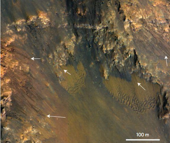 Учёные рассмотрели действующие источники воды в снимке Марса. Изображение № 1.